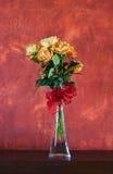 Bos van gele rozen Stock Foto's