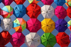 Bos van Kleurrijke Paraplu stock afbeeldingen