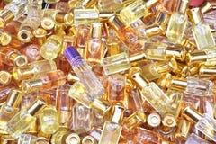 Bos van parfumflessen Royalty-vrije Stock Foto's
