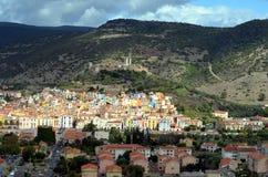 Bosa Colorfull hus i Sardinia Italien fotografering för bildbyråer