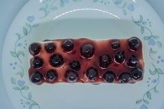 Bosbessen botercake, snacksvoedsel voor onderbrekingen tijdens het werk of na maaltijd royalty-vrije stock fotografie