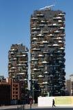 Bosco Verticale Towers nel distretto di Porta Nuova a Milano, AIS Fotografie Stock