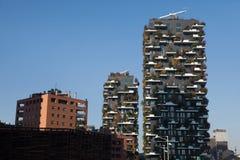 Bosco Verticale Towers nel distretto di Porta Nuova a Milano, AIS Immagine Stock