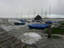Bosham-Kai in einer Flut in Chichester-Hafen, England, Großbritannien Lizenzfreie Stockfotos