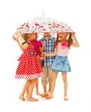 Bosi dzieci pod parasolem obrazy stock