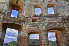 Boskovice,捷克- 2013年9月28日:13世纪哥特式城堡Boskovice hrad的废墟在南摩拉维亚,捷克Rep 免版税库存图片