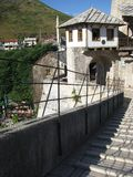 000 200 1993 1994 Bosnia pociska cywilnych walczących Herzegovina dziur zabić Mostar okresu furii skorupy śladów ściany wojna zdjęcie royalty free