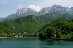 Bosnien-Herzegowina - Landschaft im Frühjahr Stockfotografie