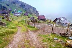 Bosnisch dorp in de bergen Royalty-vrije Stock Afbeelding