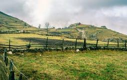 Bosnisch dorp in de bergen Royalty-vrije Stock Foto's
