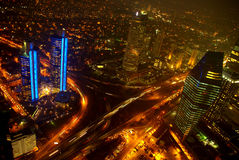 bosphorus桥梁城市伊斯坦布尔点燃晚上视图 库存图片