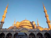 bosphorus桥梁轮渡通过火鸡的伊斯坦布尔 免版税图库摄影