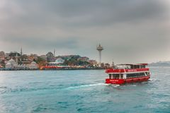 Bosphorus灯塔游轮Uskudar伊斯坦布尔 免版税库存图片