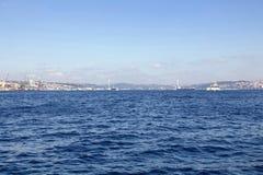 Bosphorus看法从公开轮渡的 免版税库存图片