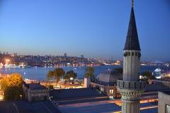 Bosphorus,伊斯坦布尔-夜视图 免版税库存照片