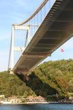 Bosphorus-Brücke ist Istanbul die Türkei Stockbilder