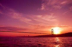 Bosphorus bro i Istanbul, Turkiet. Fotografering för Bildbyråer