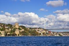 Bosphorus bro och Rumeli fästning Istanbul Fotografering för Bildbyråer