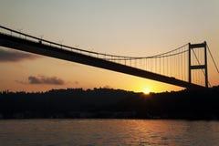 Bosphorus bro på soluppgången Royaltyfri Bild