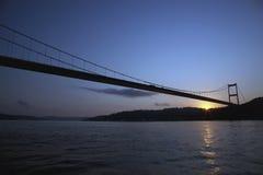 Bosphorus bro på soluppgången Arkivbilder