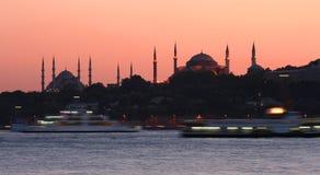 Bosphorus en la puesta del sol Imagen de archivo libre de regalías
