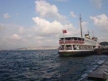 Bosphorus färjaport Arkivfoto