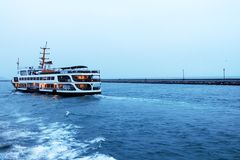 Bosphorus i prom Zdjęcia Royalty Free