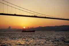 Bosphorus most na zmierzchu Obraz Royalty Free