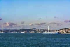 Bosphorus och skepp arkivfoton