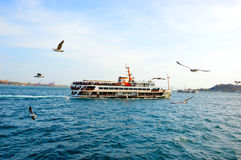 Bosphorus Ship i Istanbul, Turkiet Arkivbild