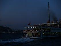 Bosphorus vid natt Fotografering för Bildbyråer