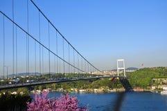 Bosphorusbrug in Istanboel Turkije Stock Foto