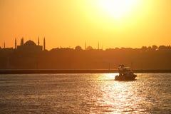 Bosporus på solnedgången Royaltyfria Bilder