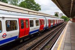 Bosque de Ladbroke da estação de metro em Londres, Reino Unido Imagem de Stock