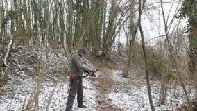 Bosque del invierno del tiro al arco almacen de video