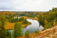 Bosque hermoso en otoño Fotografía de archivo libre de regalías