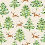 Bosque de los árboles de navidad con el modelo inconsútil del reno Foto de archivo libre de regalías