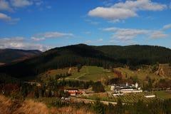 Bosque y monasterio Imágenes de archivo libres de regalías