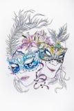 Bosquejo de máscaras de teatro con las plumas en un fondo blanco stock de ilustración