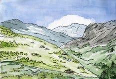 Bosquejo escénico a mano, colinas del paisaje de la montaña altas con el prado, rocas y bosque, ejemplo de la acuarela libre illustration