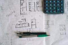 Bosquejos del arquitecto en el papel Imagen de archivo libre de regalías