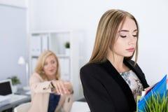 Boss dismissing an employee Royalty Free Stock Image