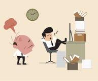 Boss ve al empleado caerse assleep durante el trabajo Imagenes de archivo