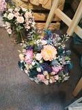 Bossen van bloemen op de vloer Stock Afbeelding
