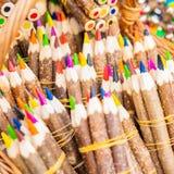 Bossen van multicolored potloden royalty-vrije illustratie