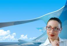 Bossy Geschäftsfrau im Büro lizenzfreie stockbilder