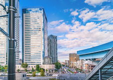 Bostads- byggnader för höghus i moderna Tokyo Royaltyfria Bilder
