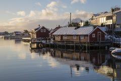 Bostads- byggnader i Svolvaer Royaltyfria Bilder