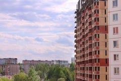Bostads- byggnader och byggnader under konstruktion Royaltyfri Foto