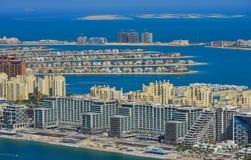 Bostads- byggnader på Palm Jumeirah royaltyfri foto